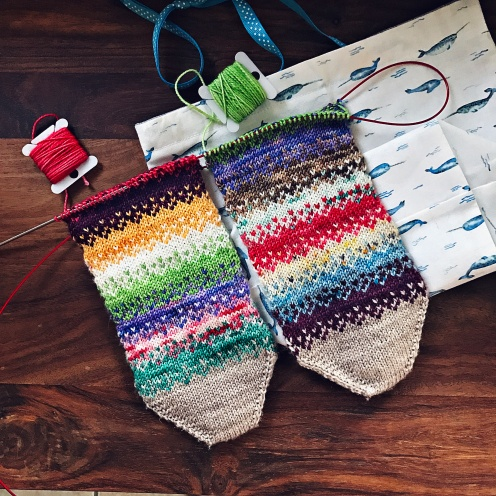 Pixel Rise Christmas Frankensocks – knitosophy designs